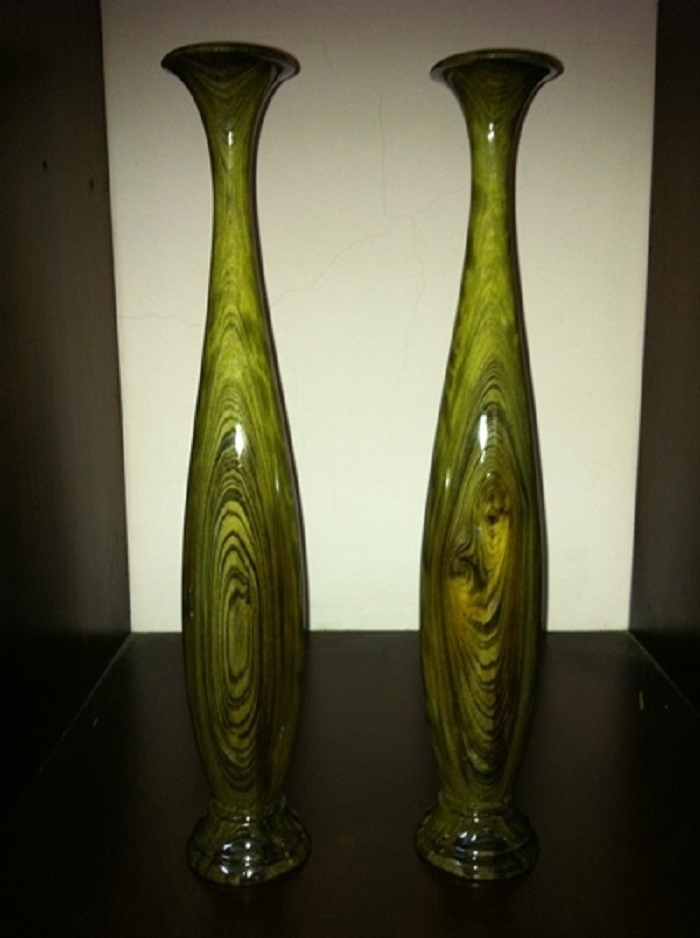 Những tác phẩm đẹp mê hồn chế tác từ gỗ cây thủy tùng quý hơn vàng