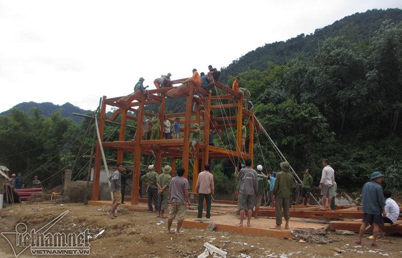 Lũ càn quét, nhiều công trình thiết yếu bị san phẳng