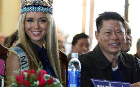 Tỷ phú Hoàng Kiều liên tục mất tiền, 'thủng túi' gần 1 tỷ USD
