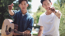 Cặp sinh đôi Việt - Thái cover 'Em gái mưa' ngọt ngào
