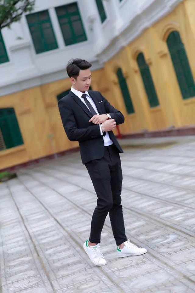 'Hot boy kỷ yếu' khiến các cô gái rần rần xin link Facebook