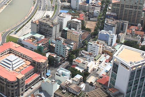 Over 70 percent of high-rise buildings in HCM City lack parking