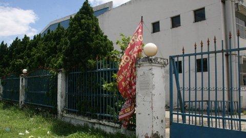 HCM City: Hundreds of workers pursue debt-evading director