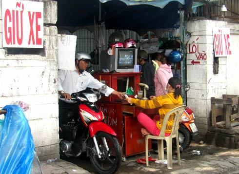 Parking rates in disorder in Ho Chi Minh City
