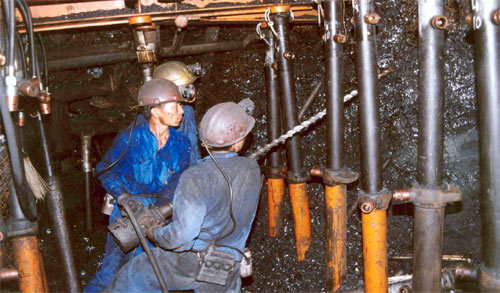 Coal industry hungry for capital, coal workers hungry for food