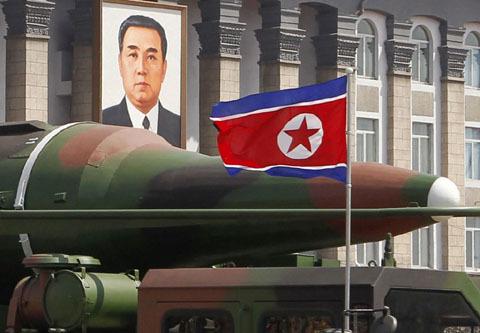 Triều Tiên, tập trận, căng thẳng leo thang, quân sự, chiến tranh, hiệp định ngừng chiến, Kim Jong Un, Park Geun-Hye, tên lửa, hạt nhân