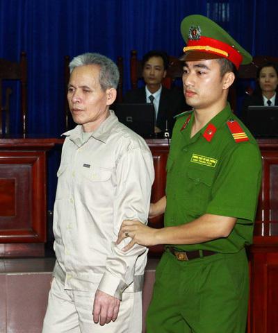 Chùm ảnh: Toàn cảnh vụ xử Đoàn Văn Vươn