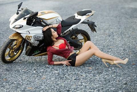 mô tô, Diệp Lâm Anh, gợi cảm, ca sĩ, hotgirl