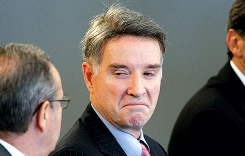 Tỷ phú Brazil đánh mất 25 tỷ USD/năm