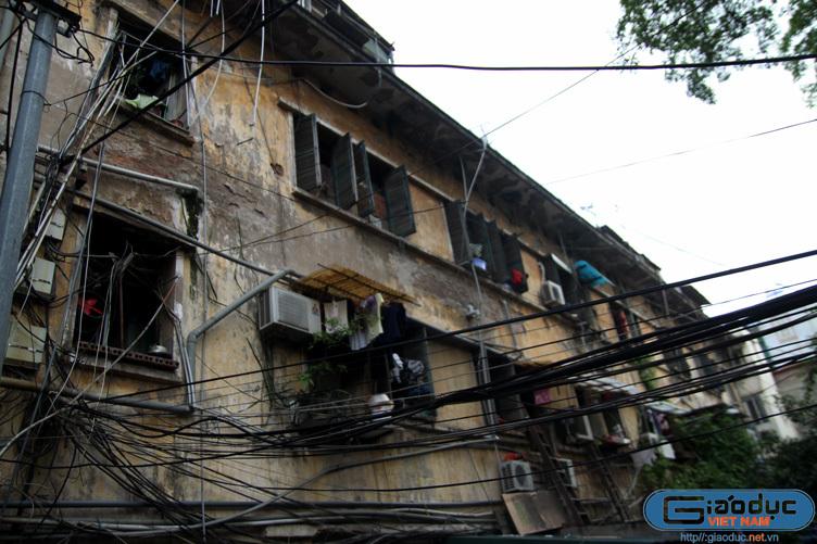 Khu nhà 'ổ chuột' khó tin cạnh Hồ Hoàn Kiếm