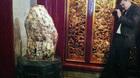 'Hòn đá lạ' ở Đền Hùng gây xôn xao