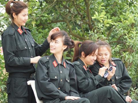 Nữ cảnh sát đặc nhiệm giỏi võ, hát hay, bắn súng tốt