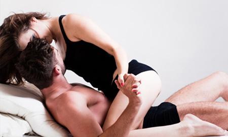 Vợ hãi hùng, chồng méo mặt vì học... sex trên mạng