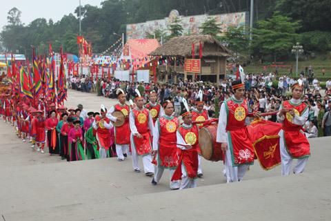 Giỗ tổ Hùng Vương 2013, đền Hùng 2013, dâng hương