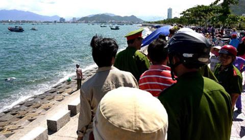 Thông tin, thi thể, nam nữ, trên biển, TP Nha Trang
