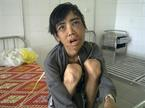 Bị đánh tơi tả vì trộm cắp và dọa truyền nhiễm HIV