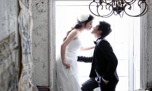 Hiếm có, ngân hàng nhà nước làm chủ tiệc cưới