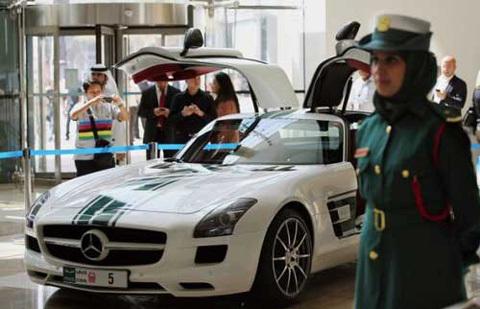 Dubai, xe công, Bugatti Veyron Grand Sport, Lamborghini Aventador, siêu xe