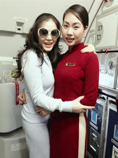 Lý Nhã Kỳ lên buồng lái, phi công Vietnam Airlines bị phạt