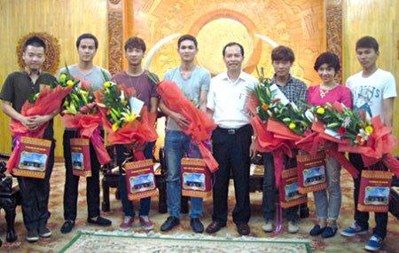 'Qu ti Thanh Ha', clip, sinh vin, bng khen, khen thng
