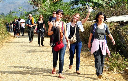 'Nội' đắt và kém, dân thích du lịch 'ngoại'