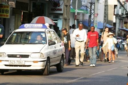 Săn trai trẻ, trên mạng, trai gốc Phi, chợ tình