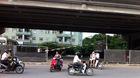 Tai nạn rình rập từ bãi đỗ xe gầm cầu Hà Nội
