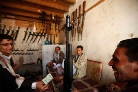 Tiêu điểm - Đi chợ vũ khí ở quốc gia vũ trang tới tận răng (Hình 3).