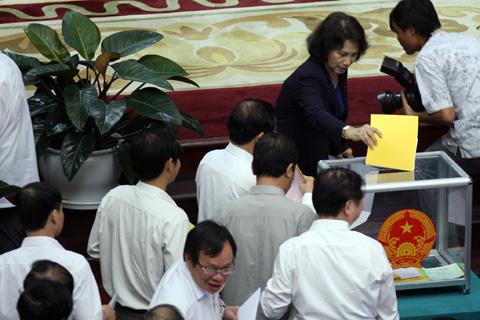 Nguyễn Sinh Hùng, nhân dân, Quốc hội, tín nhiệm, đại biểu
