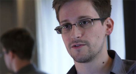 Edward Snowden - Mỹ truy lùng, Nga săn đón