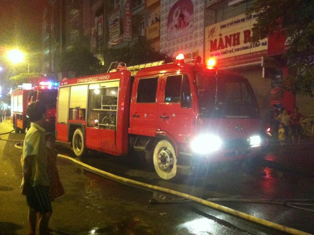 Xe cứu hỏa tiếp cận khó quán hát, phòng hát karaoke