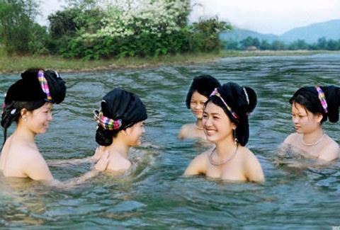 suối ngược dòng, miền gái đẹp, suối Khe Thần