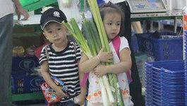 Phục cách mẹ Singapore dạy con tiêu tiền