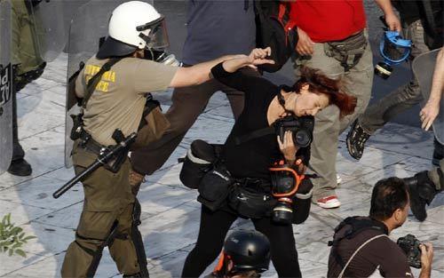 phóng viên, tác nghiệp, chiến trường, nguy hiểm