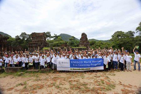 HS Hội An đến Mỹ Sơn học bảo vệ di sản thế giới