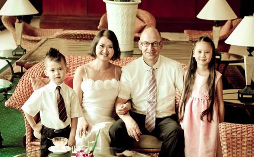Làm dâu xứ lạ, Phan Hà Anh