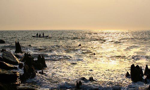 Bãi biển Hoành Sơn hoang sơ tuyệt đẹp