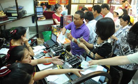 cửa hàng vàng, khách mua, giao dịch, Bảo Tín Minh Châu, mua vàng