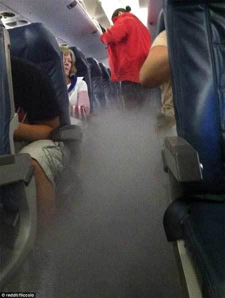 máy bay, Mỹ, ngập khói, hãi hùng