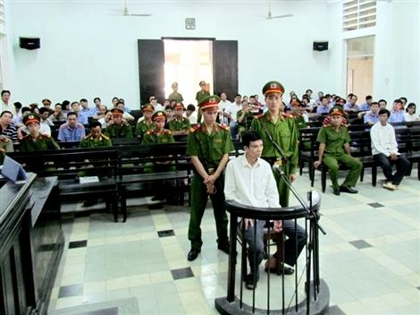 Kẻ nổ mìn nhà GĐ Công an Khánh Hòa lãnh 23 năm tù