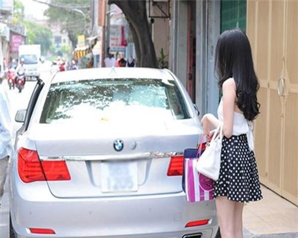 xe, siêu xe, sao, đại gia, ca sĩ, người mẫu, tặng, Ngọc Trinh, Hồ Ngọc Hà, Ngọc Sơn