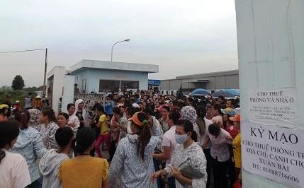 Hàng ngàn công nhân đình công