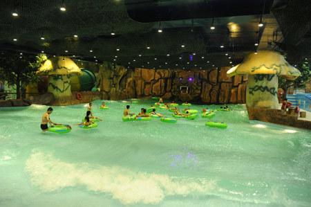 siêu TTTM, trong lòng đất, lớn nhất châu Á, Vincom, Mega Mall, Royal City, công viên nước trong nhà, sân trượt băng