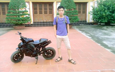 Nam sinh Nam Định tự chế xe mô tô