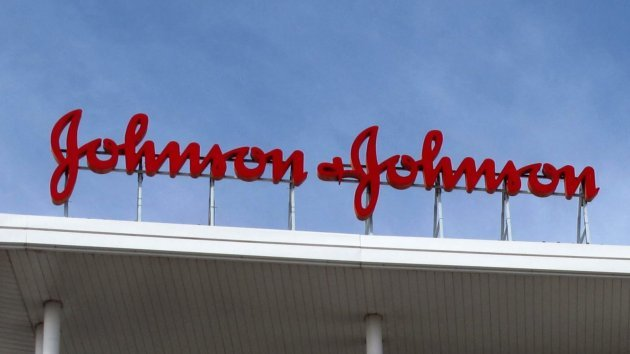 Johnson & Johnson bị phạt 2 tỷ đồng vì độc quyền
