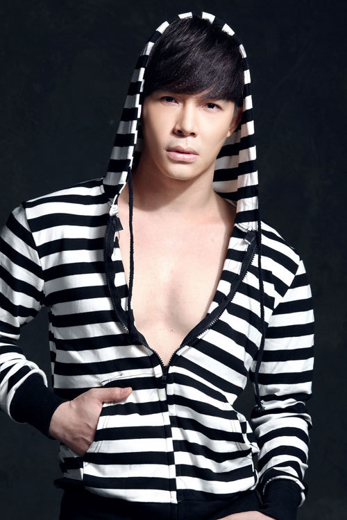 Nathan Lee dính nghi án giới tính với chồng Thu Minh
