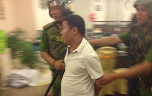 Hàng trăm cảnh sát đột kích tiệc đầy tháng dùng ma túy