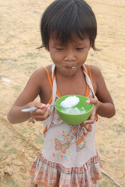 Phận người không quốc tịch ở xóm Việt kiều