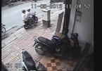 Vác gạch đuổi theo tên trộm SH trên phố