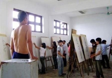 tranh khỏa thân, lớp học vẽ, người mẫu khỏa thân